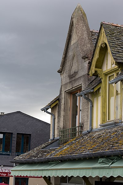 Photo du Monument Historique Maison adossée aux remparts situé à Le Mont-Saint-Michel