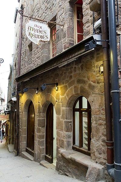 Photo du Monument Historique Maison du Moyen Age, appelée aussi chapelle Saint-Sébastien situé à Mont-Saint-Michel (Le)