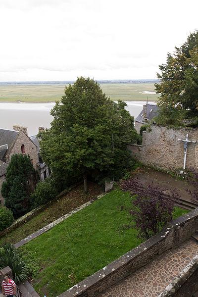 Photo du Monument Historique Ensemble des terrasses et jardins dits jardins de la Croix de Jérusalem situé à Le Mont-Saint-Michel