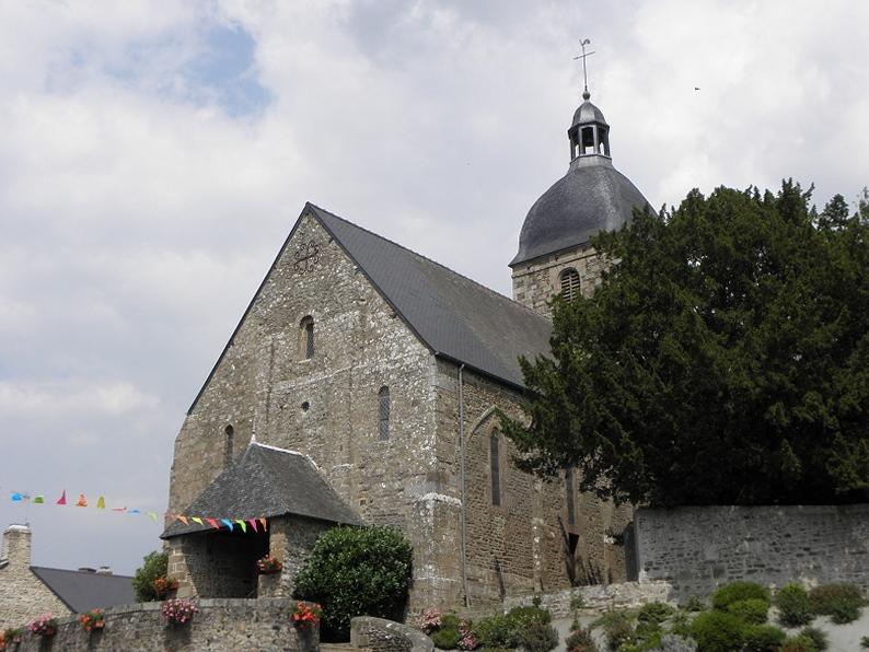 Photo du Monument Historique Eglise et le cimetière qui l'entoure situé à Sacey