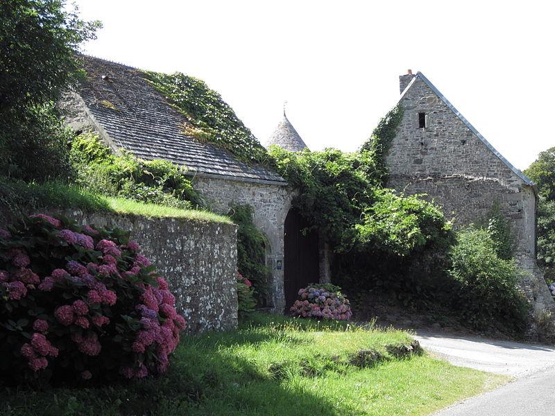 Photo du Monument Historique Manoir du But et son moulin situé à Saint-Germain-le-Gaillard