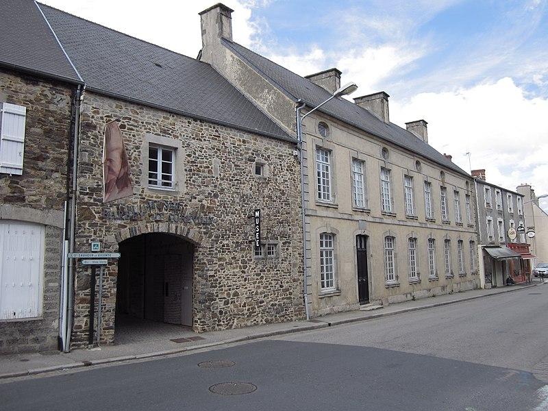 Photo du Monument Historique Maison de Jules Barbey d'Aurevilly situé à Saint-Sauveur-le-Vicomte