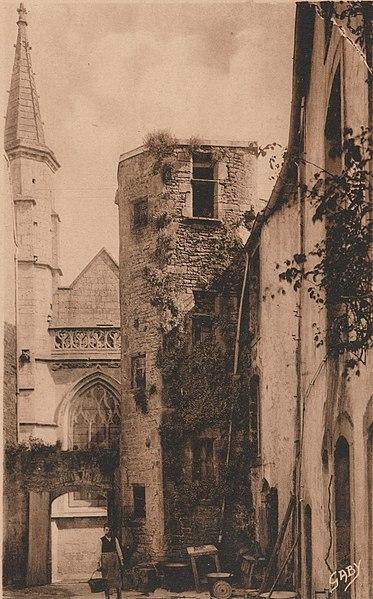 Photo du Monument Historique Ancien château situé à Valognes