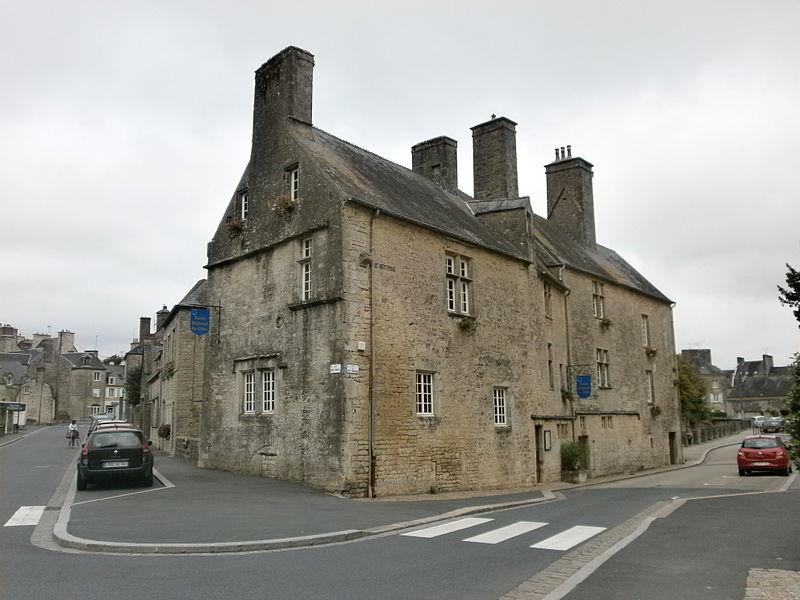 Photo du Monument Historique Maison dite le Grand Quartier situé à Valognes