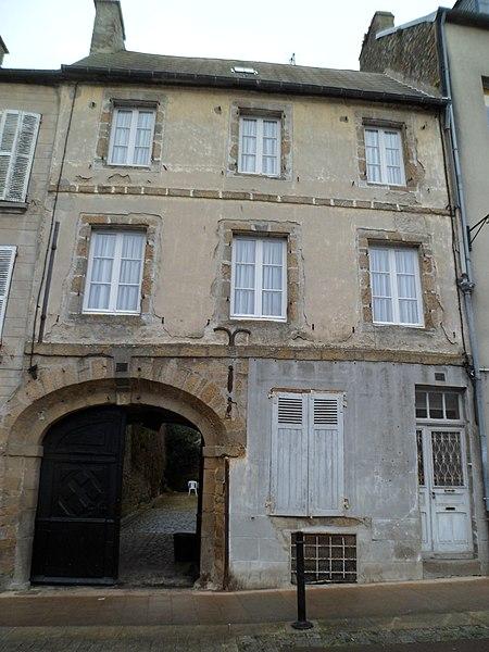 Photo du Monument Historique Hôtel situé à Coutances