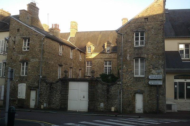 Photo du Monument Historique Hôtel Tanquerey de la Montbrière situé à Coutances