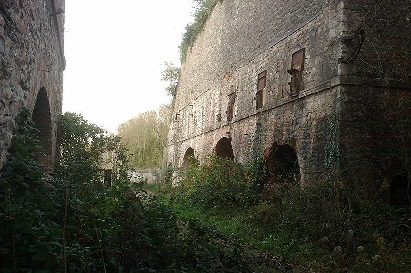 Photo du Monument Historique Ensemble de six fours à chaux situé à La Meauffe