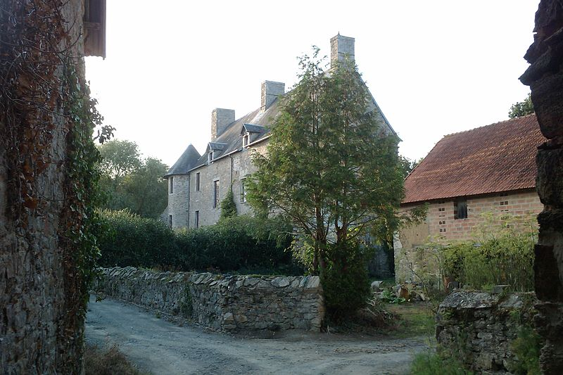 Photo du Monument Historique Manoir d'Hubertant situé à Lozon