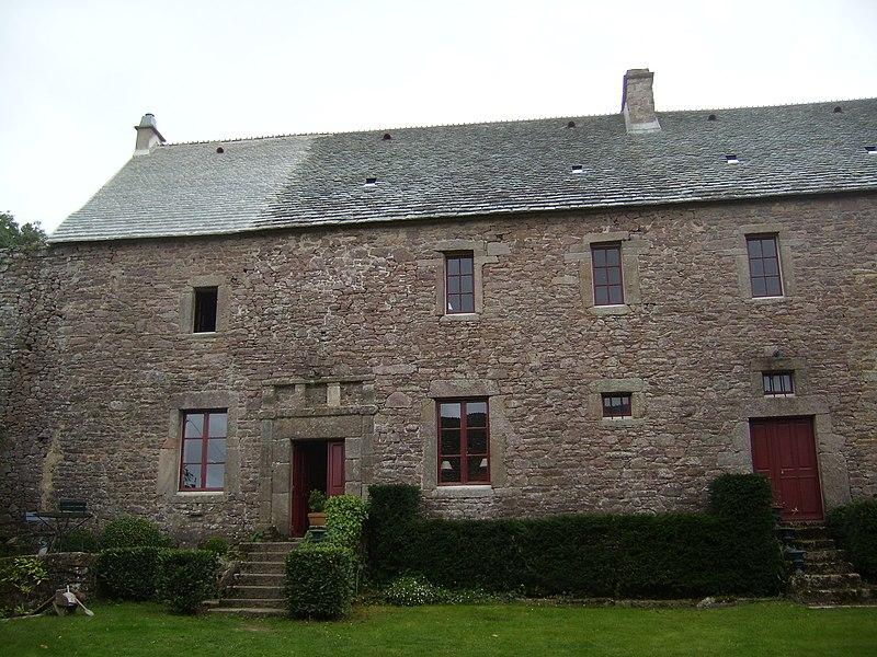 Photo du Monument Historique Manoir de la Madeleine situé à Beaumont-Hague