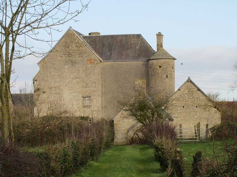 Photo du Monument Historique Château dit aussi manoir de Mariéville situé à Beuzeville-au-Plain