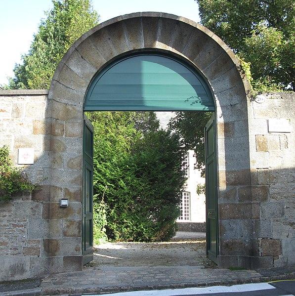 Photo du Monument Historique Demeure dite le Doyenné situé à Avranches