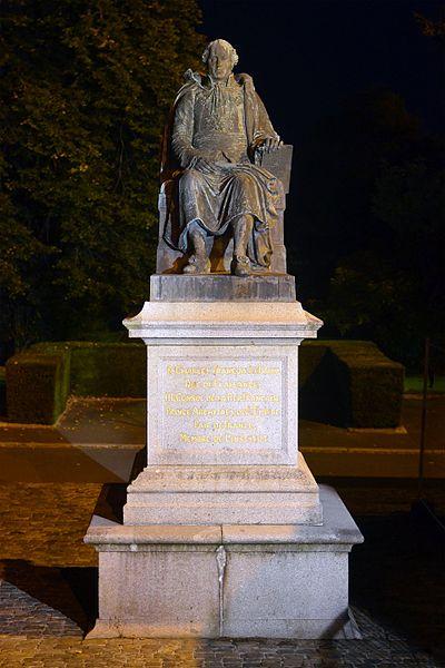 Photo du Monument Historique Statue de Lebrun ou monument à Charles-François Lebrun situé à Coutances