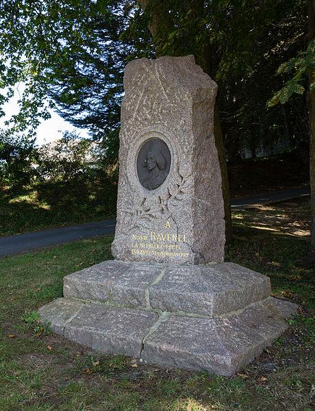 Photo du Monument Historique Stèle de Marie Ravenel situé à Fermanville