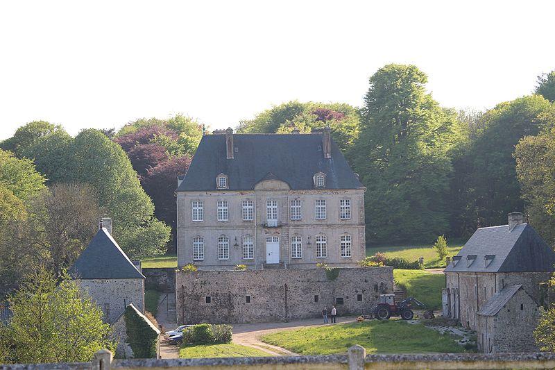 Photo du Monument Historique Château de Tourville situé à Lestre