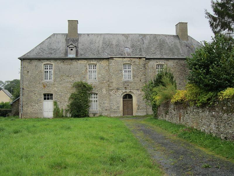 Photo du Monument Historique Presbytère situé à Carantilly