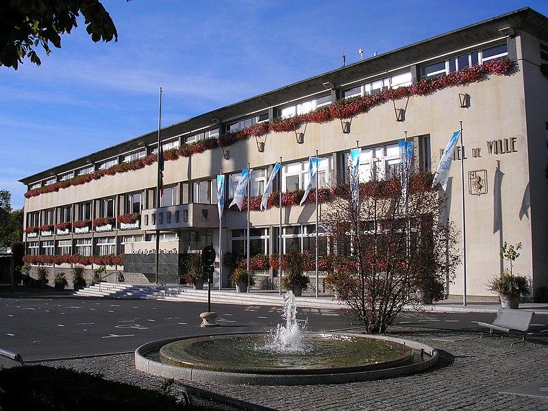 Photo du Monument Historique Ensemble architectural  de l'hôtel de ville, du beffroi et de la halle situé à Saint-Lô