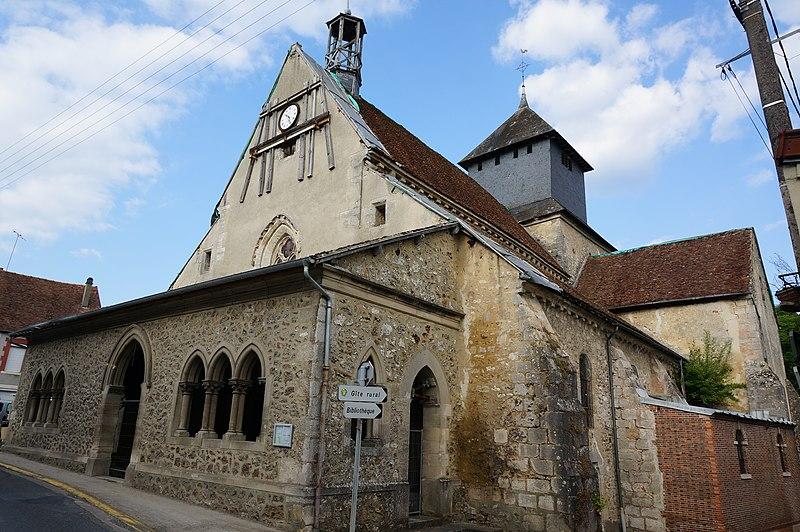 Photo du Monument Historique Eglise Saint-Pierre-et-Saint-Paul situé à Baye