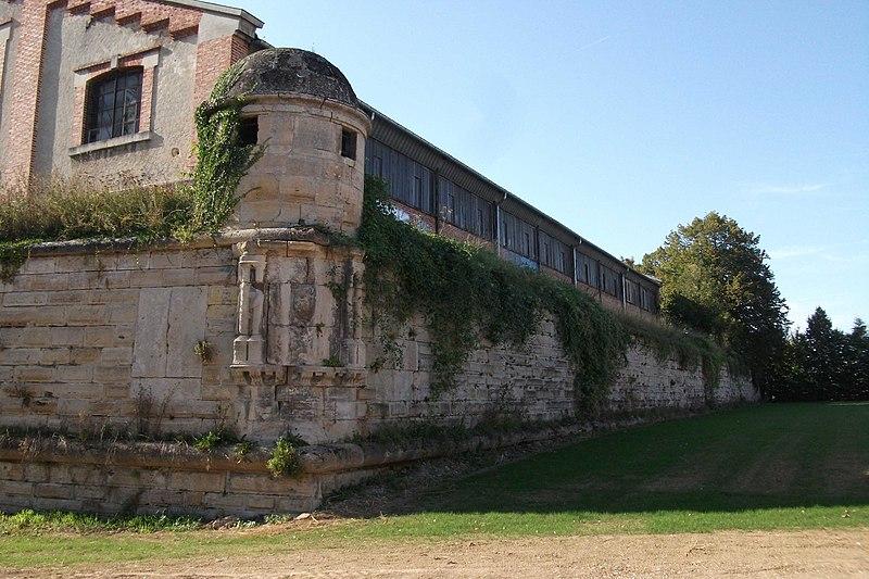 Photo du Monument Historique Bastion d'Aumale situé à Châlons-sur-Marne