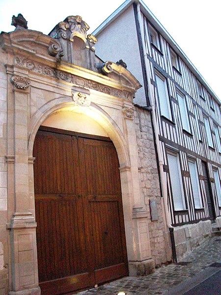 Photo du Monument Historique Couvent des Cordeliers situé à Châlons-en-Champagne