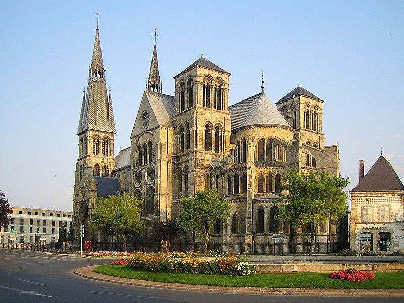 Photo du Monument Historique Eglise Notre-Dame-en-Vaux et son cloître situé à Châlons-sur-Marne