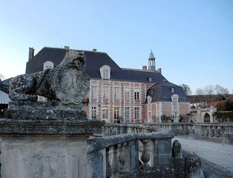 Photo du Monument Historique Château situé à Etoges