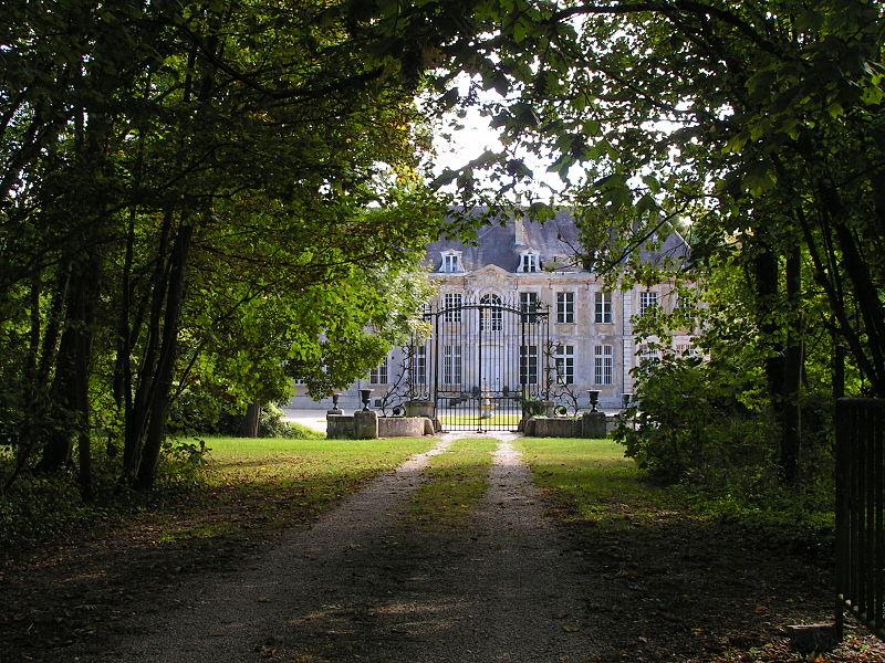 Photo du Monument Historique Château situé à Isle-sur-Marne