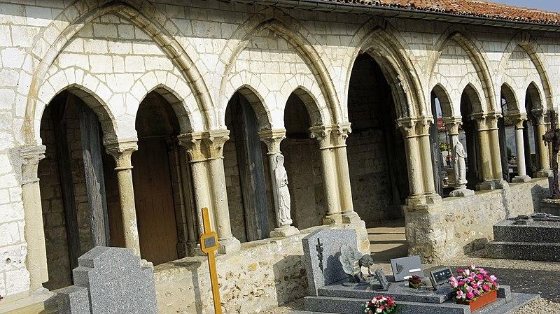 Photo du Monument Historique Eglise situé à Sarry