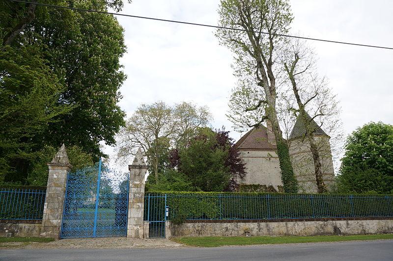 Photo du Monument Historique Château situé à Thoult-Trosnay (Le)