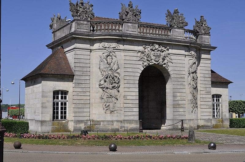 Photo du Monument Historique Porte du Pont situé à Vitry-le-François