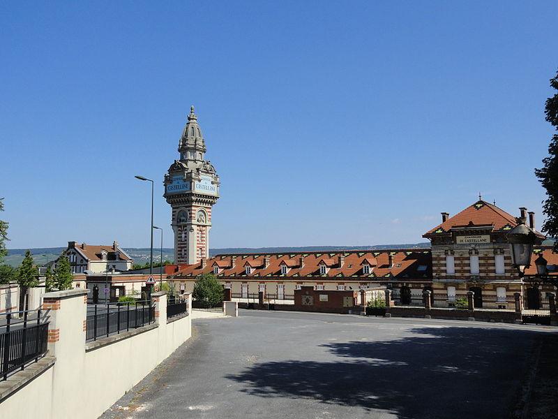 """Photo du Monument Historique Bâtiments de la Société """"Champagne de Castellane"""" situé à Epernay"""