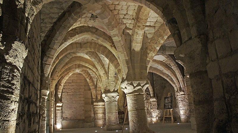 Photo du Monument Historique Caves médiévales, sous la galerie Saint-Germain situé à Châlons-en-Champagne