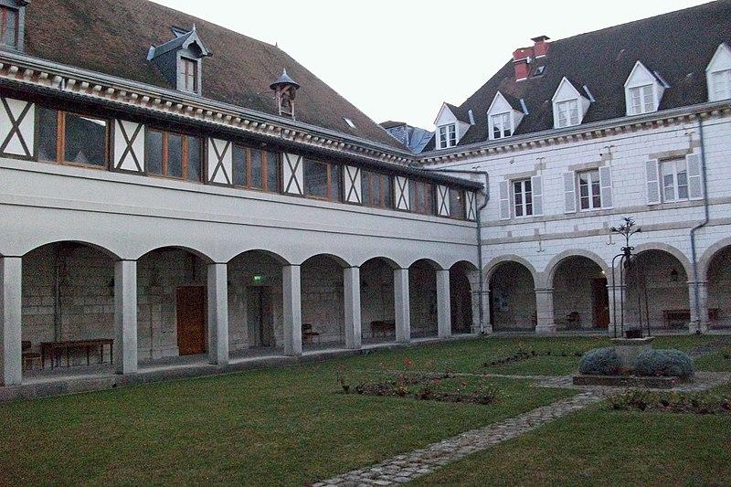 Photo du Monument Historique Maison Saint-Joseph situé à Châlons-en-Champagne