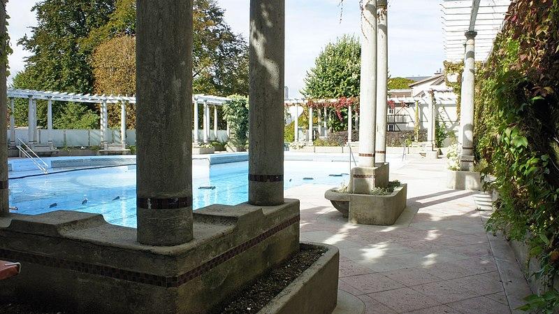 Photo du Monument Historique Piscine du Tennis-Club situé à Reims