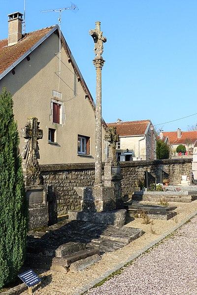 Photo du Monument Historique Croix du 16s située dans le cimetière situé à Ageville