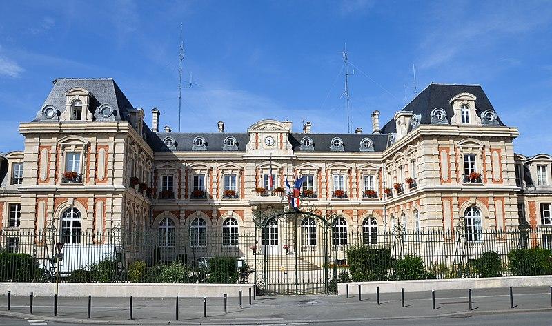 Photo du Monument Historique Ancien couvent des Carmélites situé à Chaumont