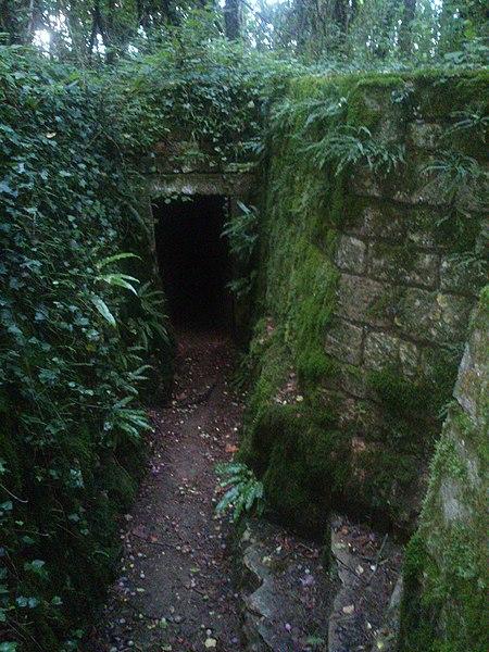 Photo du Monument Historique Aqueduc romain sur la montagne du Châtelet (restes) situé à Fontaines-sur-Marne
