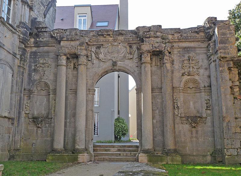 Photo du Monument Historique Couvent des Ursulines situé à Langres