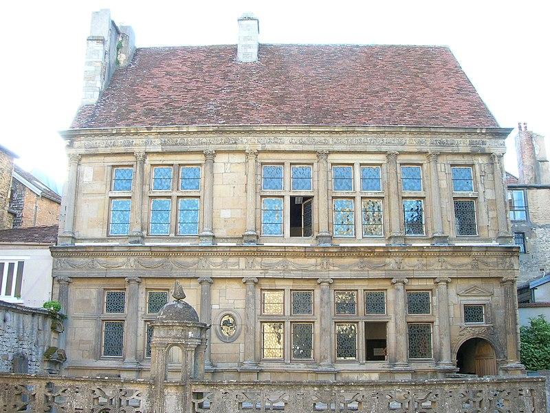 Photo du Monument Historique Maison Renaissance situé à Langres