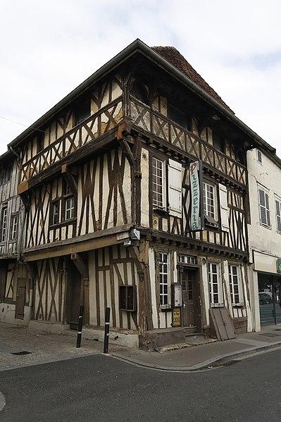 Photo du Monument Historique Maison en pans de bois situé à Saint-Dizier
