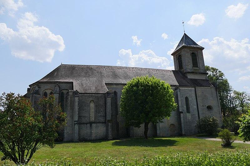 Photo du Monument Historique Eglise des Trois-Jumeaux situé à Saints-Geosmes