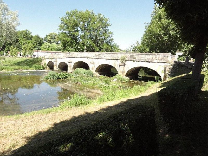 Photo du Monument Historique Pont de Doulaincourt situé à Doulaincourt-Saucourt