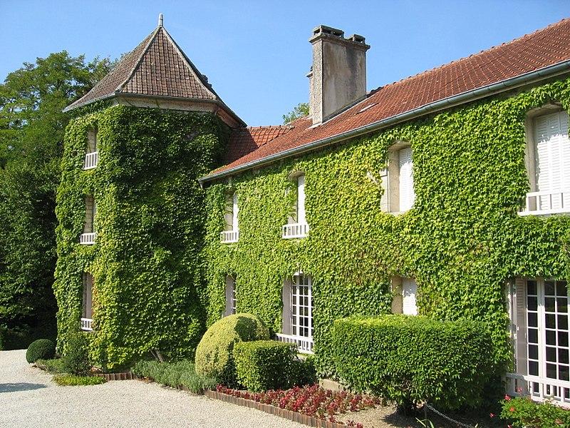 Photo du Monument Historique Maison dite la Boisserie situé à Colombey-les-Deux-Eglises