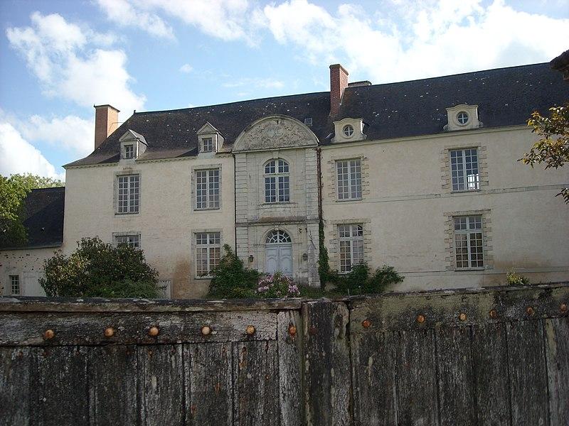 Photo du Monument Historique Château de la Cour situé à Ampoigné