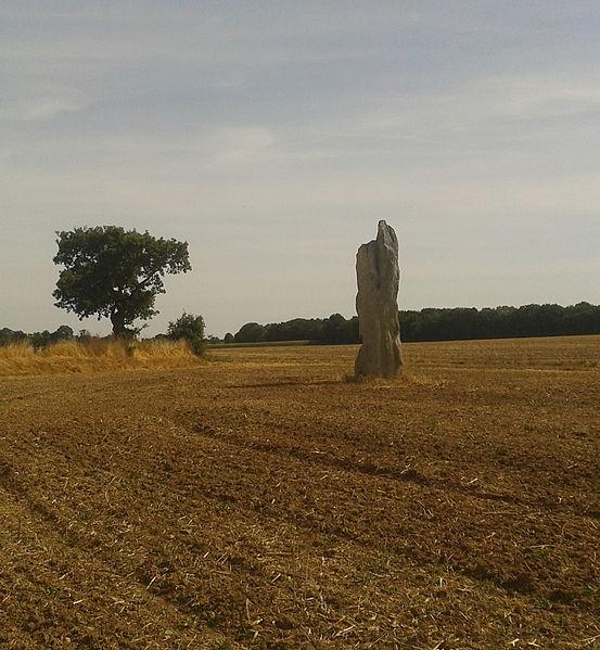 Photo du Monument Historique Menhir de la Hune situé à Bazougers