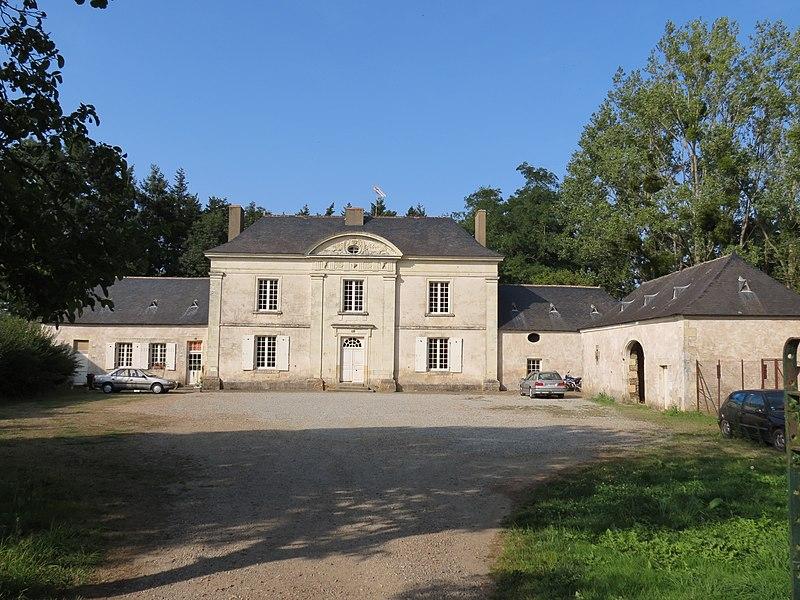 Photo du Monument Historique Manoir de Montviant situé à Château-Gontier