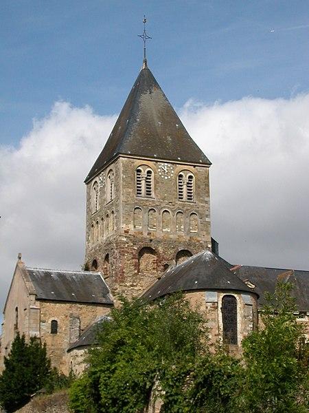 Photo du Monument Historique Eglise Saint-Jean-Baptiste situé à Château-Gontier