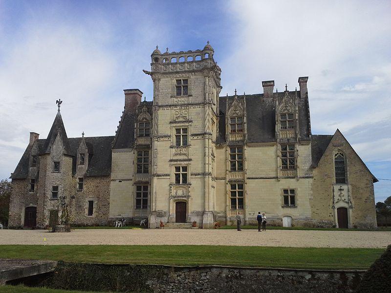 Photo du Monument Historique Château de Saint-Ouen situé à Chemazé