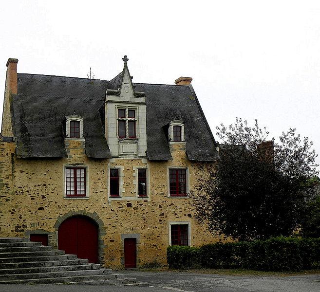 Photo du Monument Historique Prieuré bénédictin Saint-Clément situé à Craon