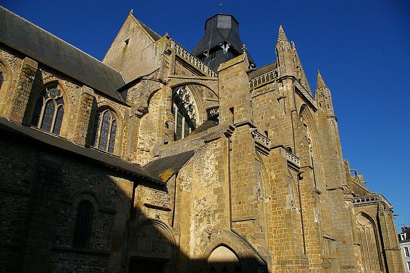 Photo du Monument Historique Abbaye bénédictine Notre-Dame d'Evron devenue Couvent de la Charité d'Evron situé à Evron