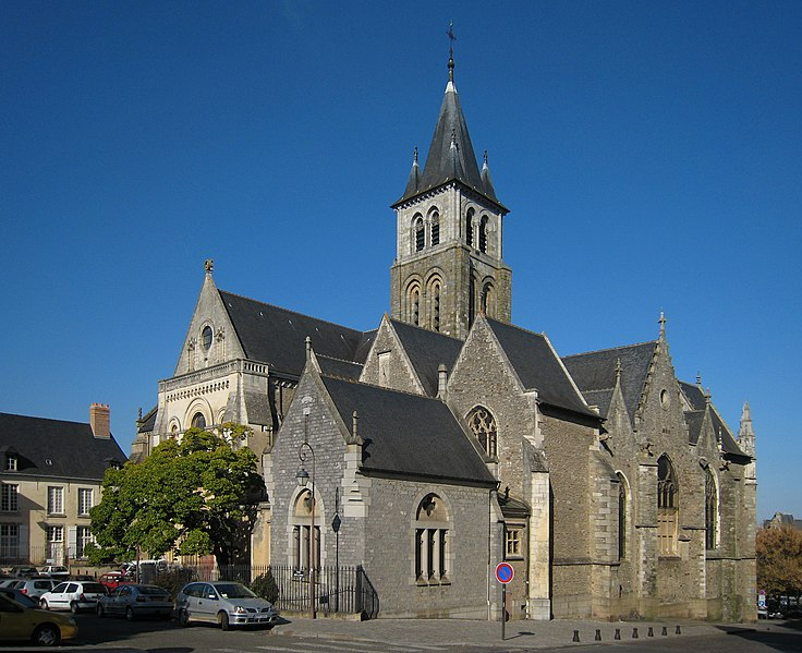Photo du Monument Historique Cathédrale de la Trinité situé à Laval